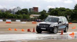 Lái và trải nghiệm Mercedes-Benz năm 2012