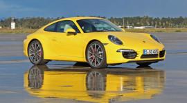 Vừa ra mắt, Porsche 911 Carrera 2012 đã bị triệu hồi