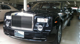 Bộ đôi 'độc' Rolls-Royce Phantom năm Rồng đã có mặt ở Việt Nam