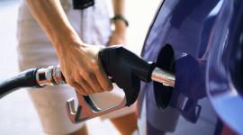 """5 """"mẹo"""" đơn giản để tiết kiệm xăng"""