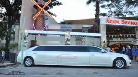 """Cadillac Limousine giúp ngày cưới thêm """"độc và lạ"""""""