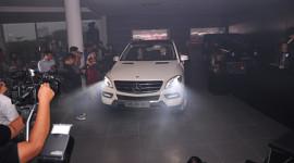 Xe sang Mercedes ML350 có giá 3,44 tỷ tại Việt Nam