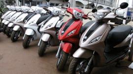 Thị trường xe máy tháng 4: Ngoại về, nội ế!