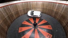"""Mazda 2 đối mặt """"Bức tường chết"""""""