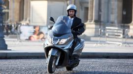 Nhờ công nghệ ô tô, Piaggio X10 chiếm thế thượng phong