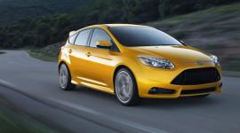 Ford Focus ST có giá bán từ 24.495 USD
