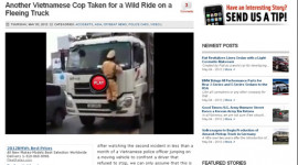 Video: CSGT lại mạo hiểm đánh đu trên đầu xe tải