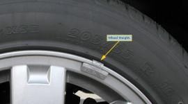 Bánh xe ôtô lắp thêm miếng kẹp chì?