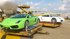 Dàn siêu xe Lamborghini LP560-4 quá cảnh tại Tân Sơn Nhất