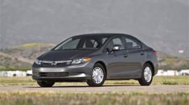 Tháng 5: Đả bại Toyota Corolla, Honda Civic chiếm ngôi vương