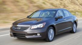 Honda Accord tăng ga đột ngột thì động cơ rú lên?