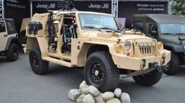 Ngó chiếc Jeep có thể chống đạn, phóng lựu