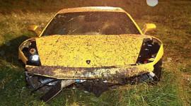 Lamborghini Gallardo biến thành đống sắt vụn