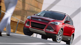 Ở Việt Nam, Ford Escape 3.0 nên sử dụng loại lốp nào?