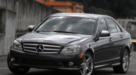 Mercedes-Benz C-class khi phanh có tiếng rít?