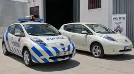 Nissan LEAF làm xe cảnh sát