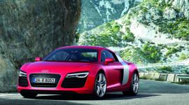 Audi R8 2013 - mạnh mẽ hơn với hộp số S tronic mới