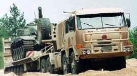 """Xem """"lực sĩ"""" xe đầu kéo trong giới quân sự (1)"""