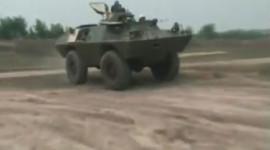 Việt Nam cải tiến xe bọc thép V-100