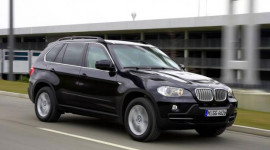 Czech sắm BMW X5 bọc thép cho Đại sứ ở Syria