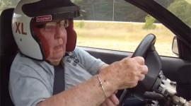 Xem cụ bà 91 tuổi đua xe rally