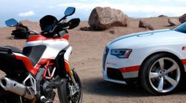 """""""Quái thú"""" Ducati Multistrada 1200S đua với Audi RS5"""