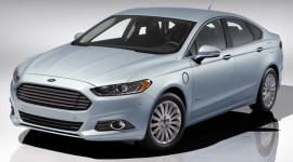"""Ford đầu tư 135 triệu USD phát triển xe """"xanh"""""""