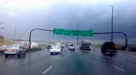 Trời mưa bão, hãy tránh xa những dấu hiệu nguy hiểm