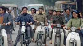Những năm 90, người Hà Nội đi xe gì?