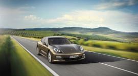 """""""Bộ tứ"""" Porsche tham dự triển lãm ôtô Việt Nam 2012"""