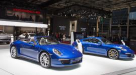 Bộ đôi Porsche 911 Carrera tỏa sáng tại Paris