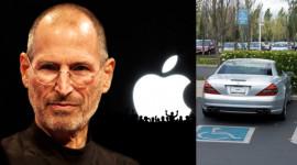 Bật mí chuyện Steve Jobs luôn đi xe không biển