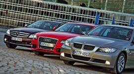 """Mercedes-Benz vẫn """"dưới trướng"""" BMW và Audi"""