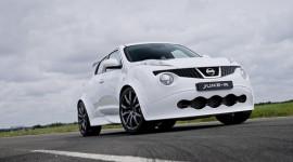 Nissan Juke-R đầu tiên tới tay khách hàng