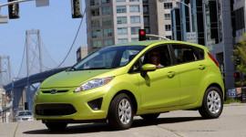 Lỗi túi khí, Ford thu hồi 262.000 xe Fiesta