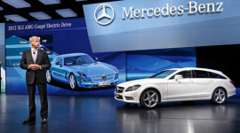 Mercedes sẽ cắt giảm 1,3 tỷ USD chi phí hàng năm