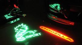 Lắp đèn la-ze trang trí cho xe