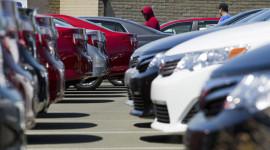 Toyota nới rộng khoảng cách với GM