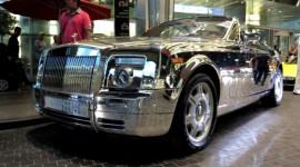 Rolls-Royce Phantom Drophead mạ crôm dạo phố