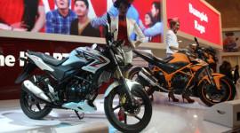 Honda ra mắt CB150R mới với giá 43 triệu đồng