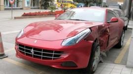 Ferrari FF gặp nạn tại Trung Quốc