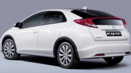 Honda Civic 1.6 Diesel đắt hàng tại Anh