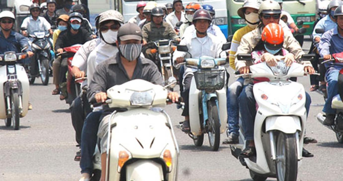 Hướng dẫn chủ xe máy nộp phí sử dụng đường bộ