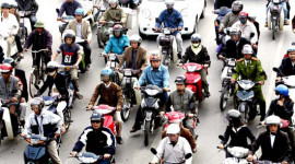 """Hà Nội chưa thu """"thuế đường"""" xe máy từ 1/1/2013"""