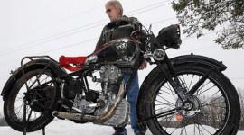 Tái hợp mô-tô cổ sau 56 năm chìm dưới lòng hồ