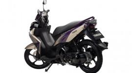 """""""Đọ sức"""" với AirBlade, Yamaha giới thiệu Nouvo màu mới"""