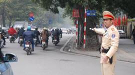 CSGT đeo biển hiệu khi làm nhiệm vụ: Người dân ủng hộ