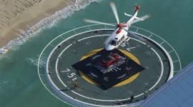"""Trực thăng """"tha"""" Aston Martin lên đỉnh khách sạn 7 sao"""