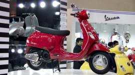 Vì sao Vespa LX125 có giá 1.100 USD tại Ấn Độ?