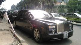 """Rolls-Royce Phantom Rồng thứ 5 và 6 """"rủ nhau"""" về VN"""
